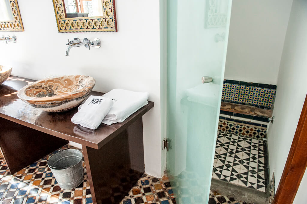 blanco_riad_hotel_bathroom