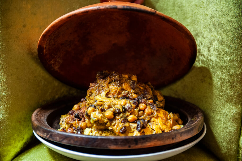 blanco_riad_restaurant_typical_dishes_tajine